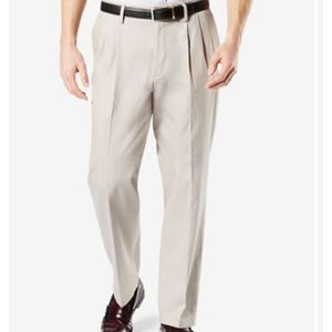 DOCKERS 100% cotton pleat front khakis l. beige 36